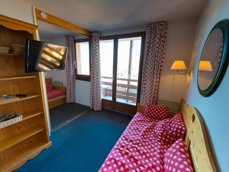 Appartement 2 pièces coin montagne 5 couchages RISOUL 1850, holiday rental in Saint-Clement-sur-Durance