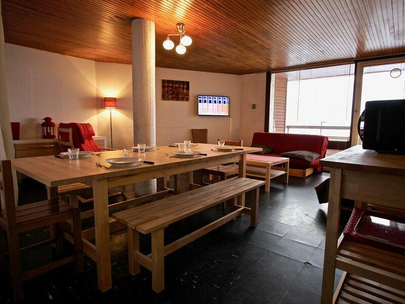 Grand appartement en plein centre et au pied des pistes., holiday rental in Chamrousse