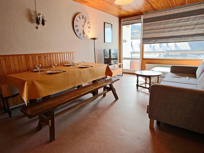 Appartement 2 pièces 6 personnes, plein sud, centre station et proche des, holiday rental in Saint-Martin-d'Uriage