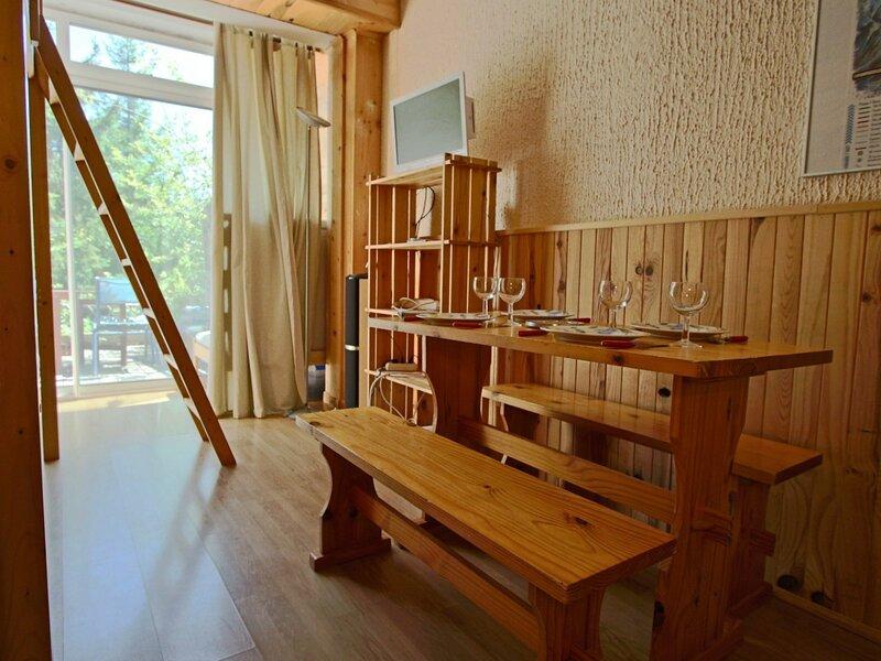 Studio 2 personnes rénové avec terrasse Sud, vacation rental in Uriage les Bains