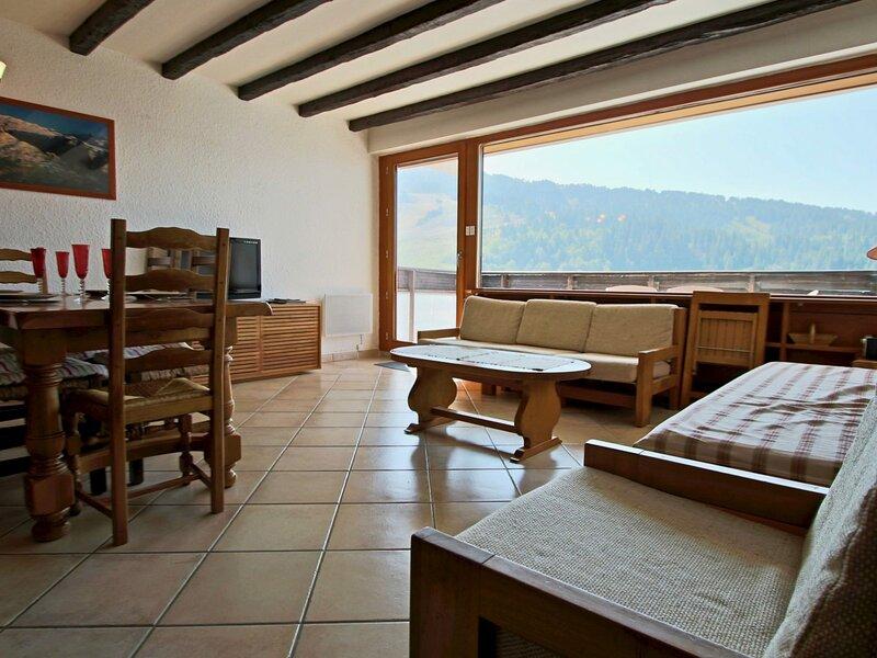 Beau 3 pièces dernier étage terrasse sud, vacation rental in Uriage les Bains