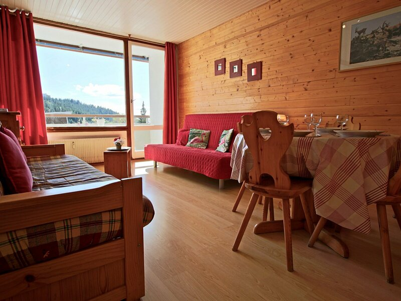 Studio entièrement rénové et très bien équipé pour 4 personnes au centre de la, holiday rental in Saint-Martin-d'Uriage