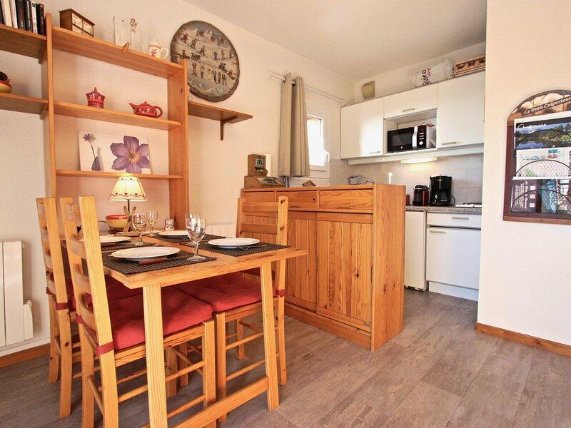 bel appartement 2 pièces, pied des pistes et proximité commerces classé 3*, holiday rental in Saint-Martin-d'Uriage