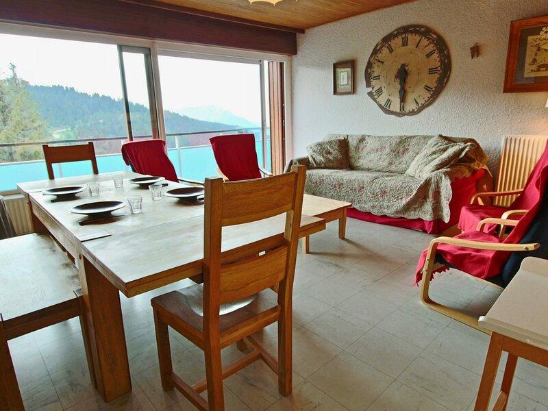 appartement 3 pièces rénové, spacieux, trés belle vue., vacation rental in Uriage les Bains