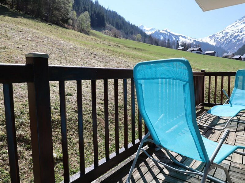 Bel appartement pour 6 personnes-classé **, holiday rental in Areches