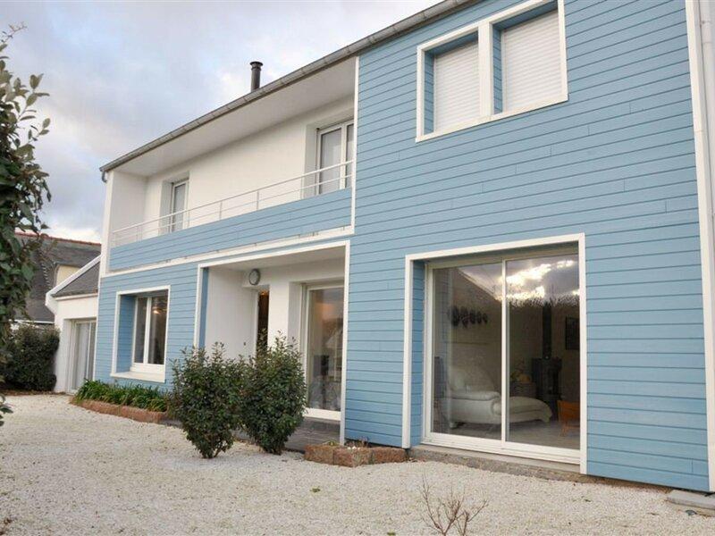Maison 4 personnes à 100m de la plage de la Grève Rose à TREGASTEL, holiday rental in Tregastel