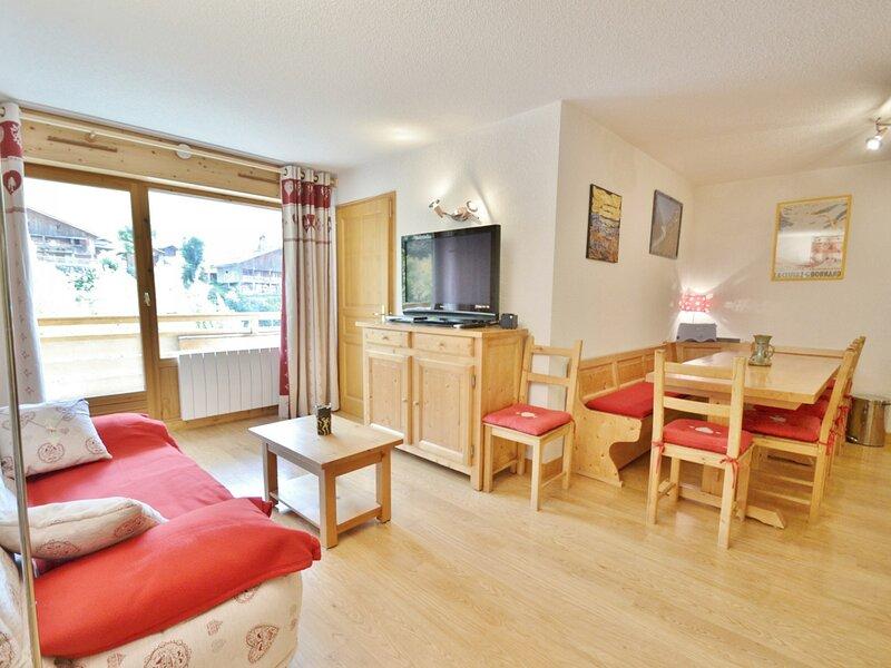 Appartement 6 personnes, 2 chambres avec coin montagne, face aux pistes, centre, holiday rental in Le Reposoir