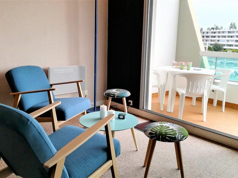 LE POULIGUEN ! Studio proche face port et accès commerces et plage !, holiday rental in Saille