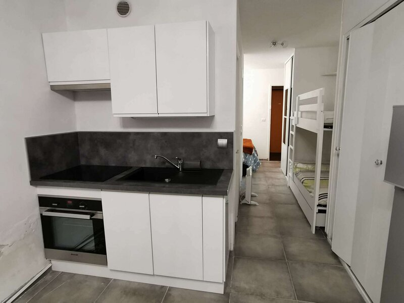 GRAND STUDIO TOUT RENOVE, holiday rental in La Motte-en-Champsaur