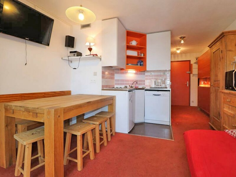 2 PIECES AVEC PARKING, EMPLACEMENT IDEAL, holiday rental in La Rosiere