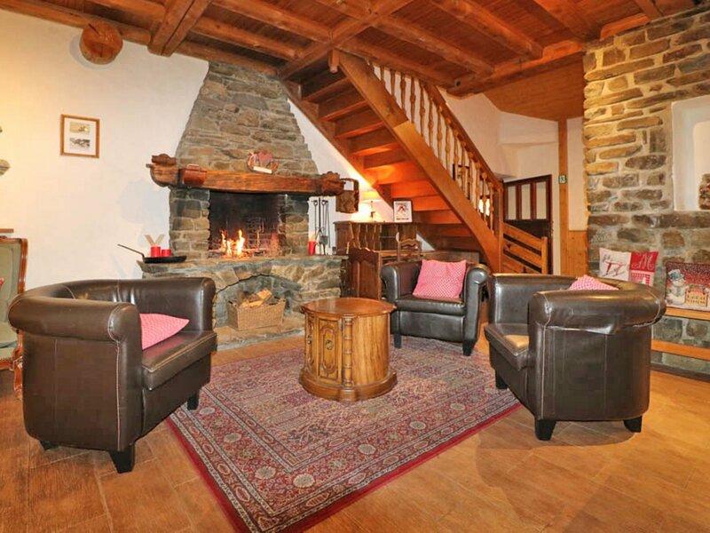 Grand chalet à louer pour des vacances en famille et/ou entre amis, holiday rental in Montvalezan