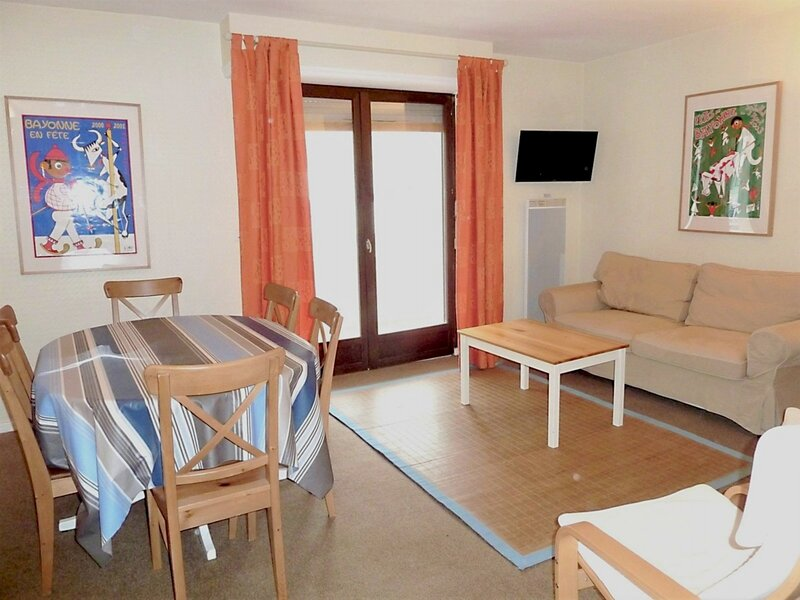 Appartement T2 6 personnes, résidence Caribou, holiday rental in Arbeost