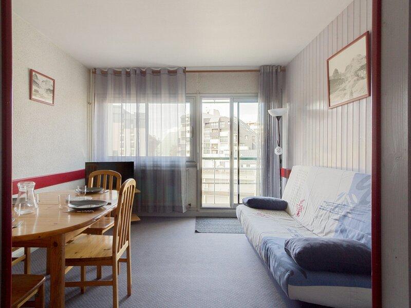 Studio  cabine 6 personnes , pied de pistes., holiday rental in Arrens-Marsous