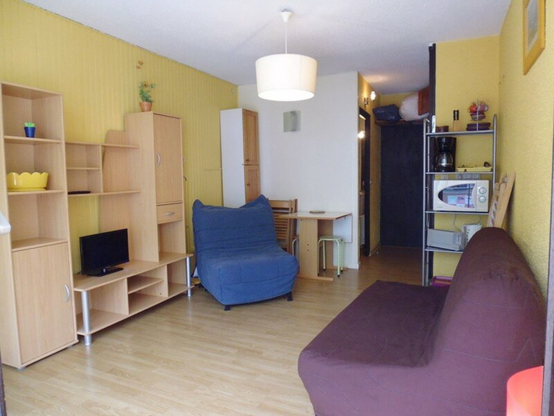 Studio 3 personnes, résidence le Milan, centre station, holiday rental in Arbeost