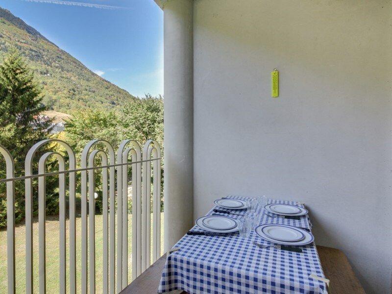 APPARTEMENT T3 6 PERSONNES RESIDENCE BALCON DU GAVE, vacation rental in Luz-Saint-Sauveur