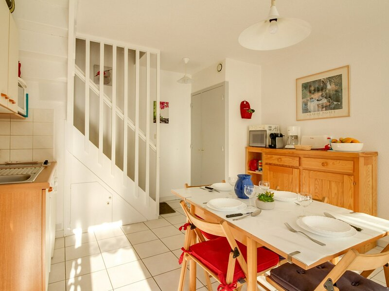 APPARTEMENT T2 6 PERSONNES RESIDENCE PYRENEES SOLEIL, holiday rental in Viscos