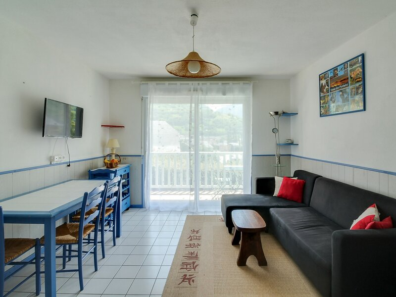 APPARTEMENT T3 POUR 4 PERSONNES RESIDENCE GYPAETES WIFI, holiday rental in Viscos