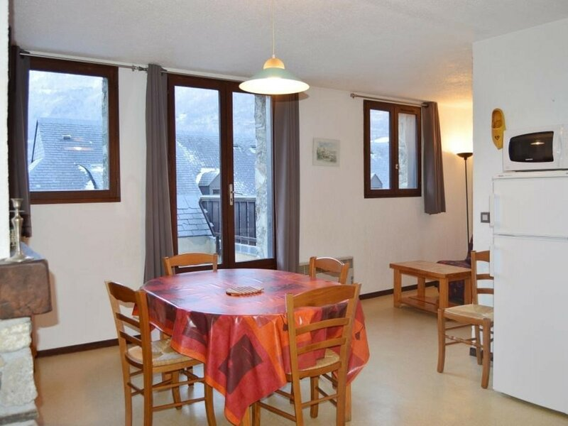 APPARTEMENT T4 DUPLEX 7 PERSONNES RESIDENCE PYRENEES SOLEIL, holiday rental in Viscos