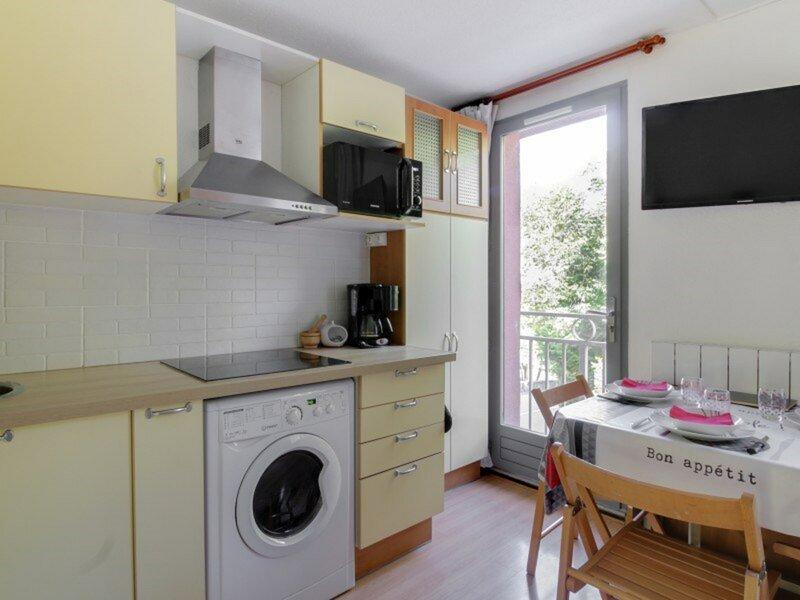APPARTEMENT RENOVE T2 4 PERSONNES RESIDENCE EUGENIE, casa vacanza a Saint-Sauveur