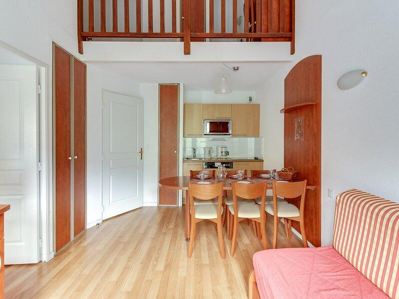 DUPLEX 7 COUCHAGES - TERRASSE SUD, holiday rental in La Mongie