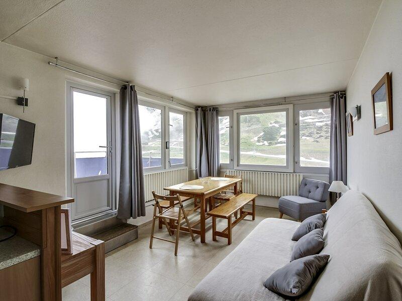 3 pièces 8 personnes avec terrasse de 40m² , résidence Mongie Tourmalet, holiday rental in La Mongie