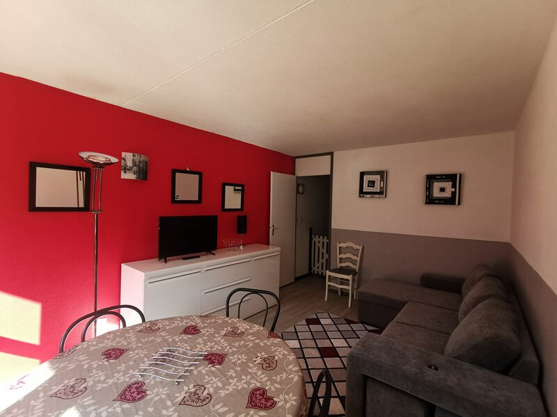 Appartement deux pièces 6 personnes, résidence Mongie Tourmalet, holiday rental in La Mongie