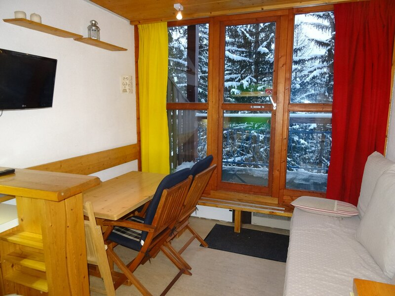 Duplex pour 5 personnes proche des pistes et des commerces - Résidence calme, holiday rental in Vallandry