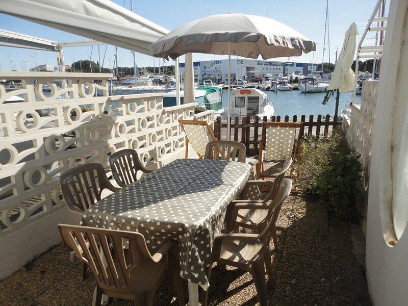 Marina duplex avec appontement, vacation rental in Port Camargue