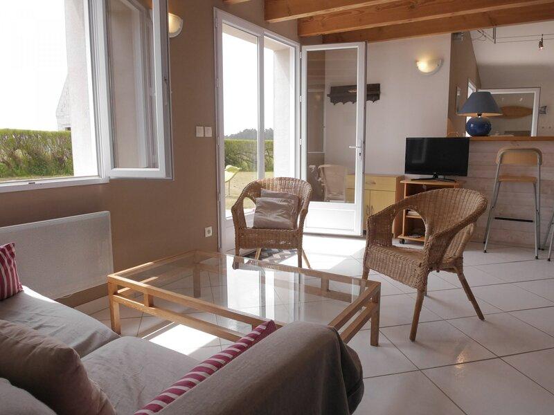 Maison de 3 chambres située à proximité de la plage de Donnant, holiday rental in Sauzon