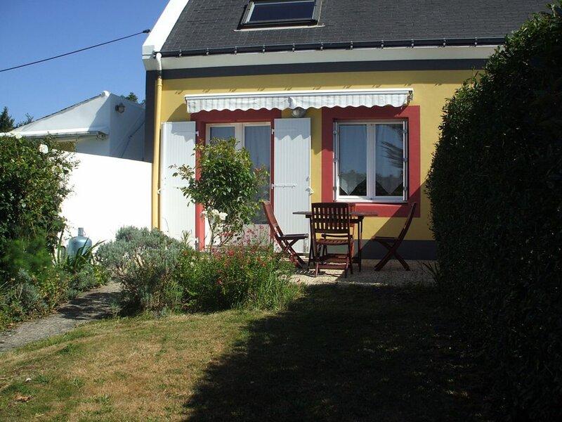 Appartement  avec jardin et terrasse, proche Palais., holiday rental in Le Palais