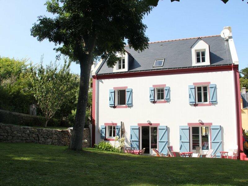 Maison bourgeoise plein centre du bourg de Sauzon, holiday rental in Sauzon