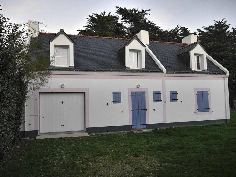 Maison familiale à 2 km de Sauzon., holiday rental in Sauzon