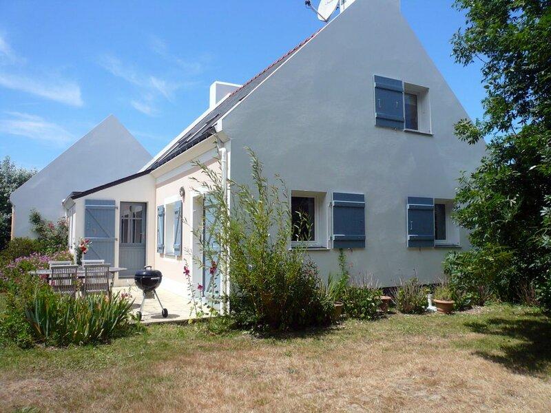 Belle maison à Sauzon avec jolie jardin, holiday rental in Sauzon