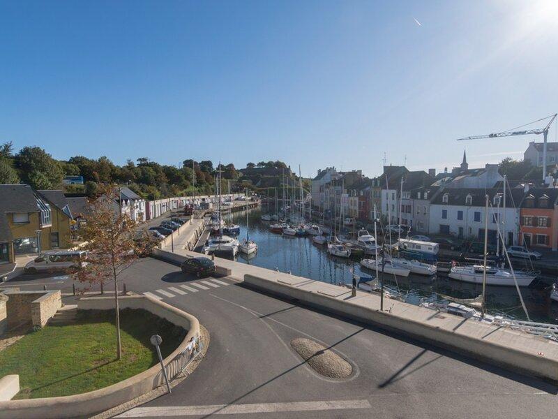 Bel appartement avec vue sur le port, holiday rental in Le Palais