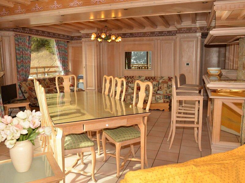 appartement très confortable avec sauna et baignoire balneo, alquiler de vacaciones en Flaine