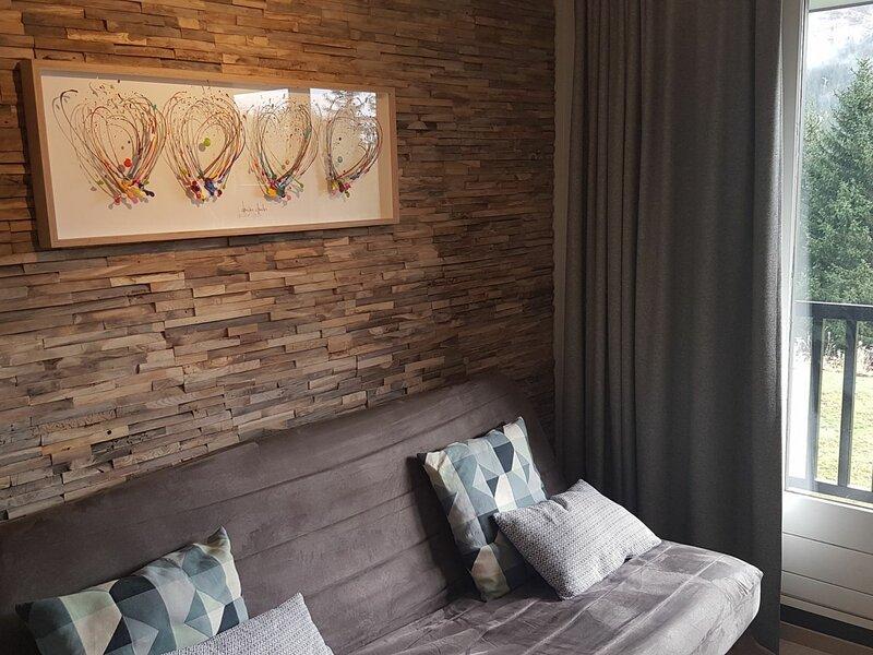 très joli studio rénové avec cabine séparée, holiday rental in Flaine