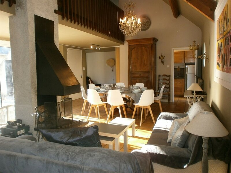 MAISON 8 couchages ST LARY SOULAN, holiday rental in Ancizan