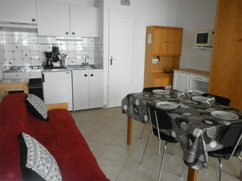 Studio 4 couchages SAINT LARY SOULAN, vacation rental in Tramezaigues