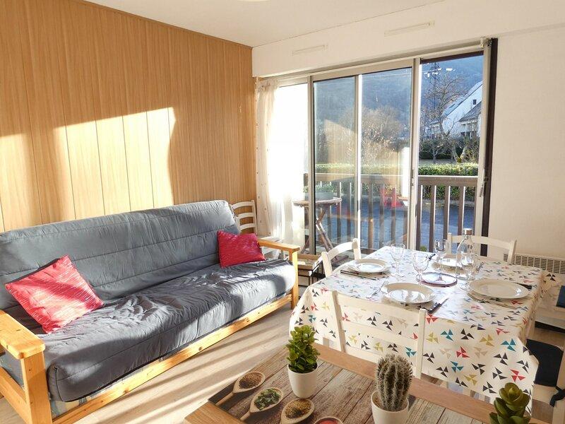 T2 4 personnes VIEILLE AURE, vacation rental in Vielle-Aure