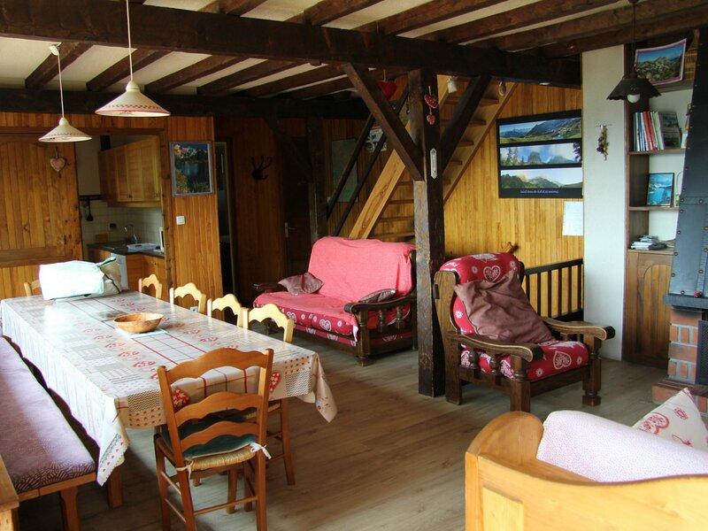 Chalet familial sans prétention 8  personnes (ESC250), holiday rental in Saint-Jean-de-Sixt