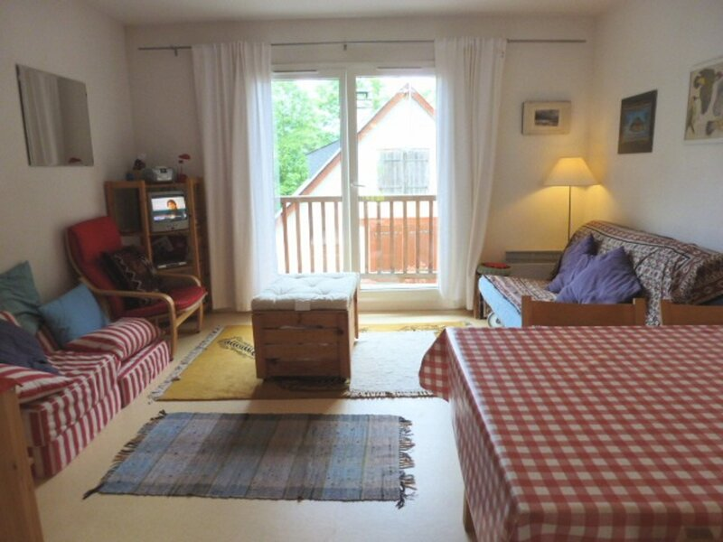 APPARTEMENT DUPLEX AVEC 2 CHAMBRES, BALCON ET PARKING, holiday rental in Sers