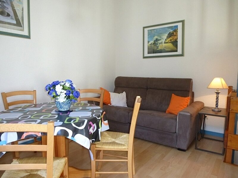 STUDIO AVEC MEZZANINE ET BALCON SUD, 2/4 COUCHAGES, holiday rental in Sers