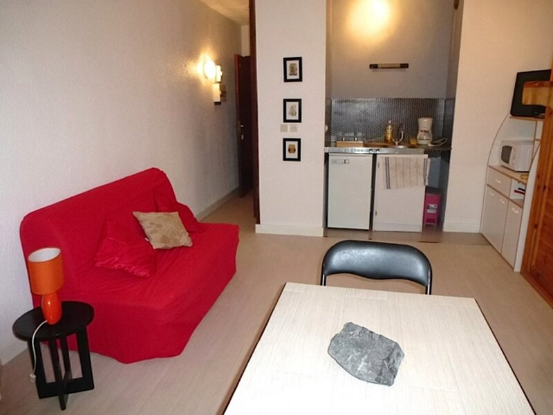 STUDIO AVEC GRAND LIT RABATTABLE, holiday rental in Sers