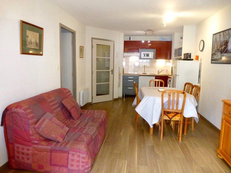 RESIDENCE BOIS DE MARIE 204, T2 CABINE AVEC BALCON SUD ET PARKING, vacation rental in Bareges