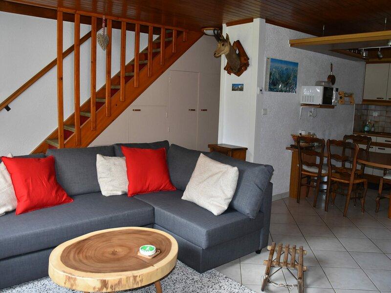 Demi chalet avec agréable jardinet, alquiler vacacional en Pralognan-la-Vanoise