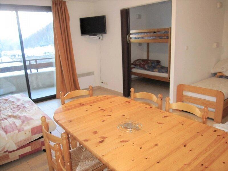 Appartement T2 6 personnes spacieux Gardette A2 Réallon, holiday rental in Savines-le-Lac