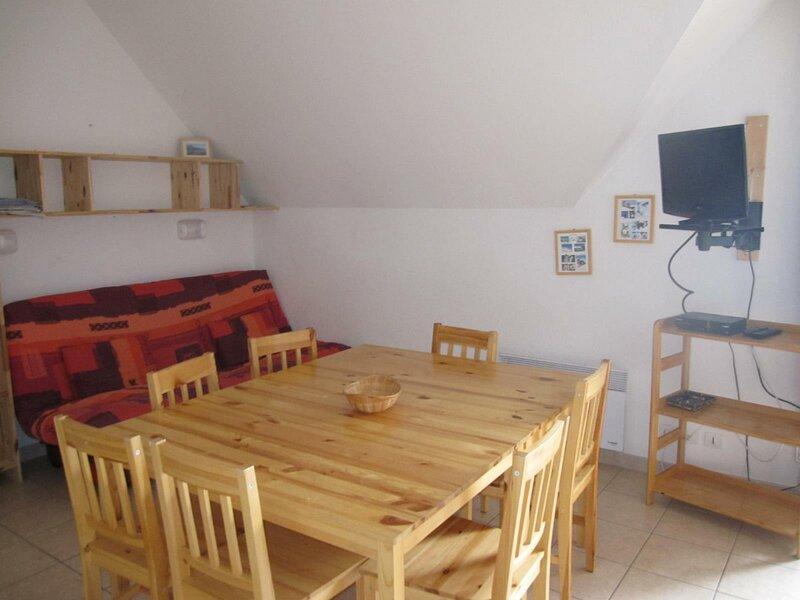 Appartement 8 personnes en duplex bien équipé Gardette B42 Réallon, holiday rental in Puy-Sanieres