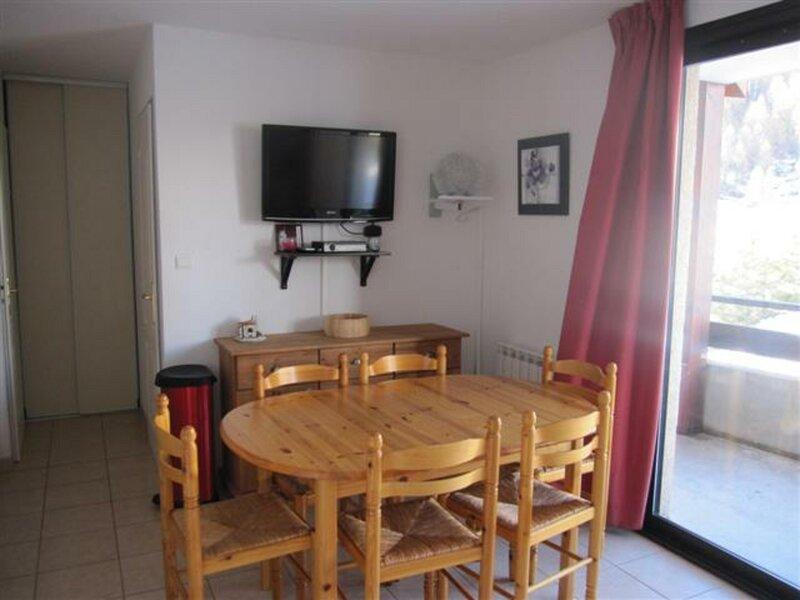 appartement T3 6 personnes Gardette B27 Réallon, holiday rental in Savines-le-Lac