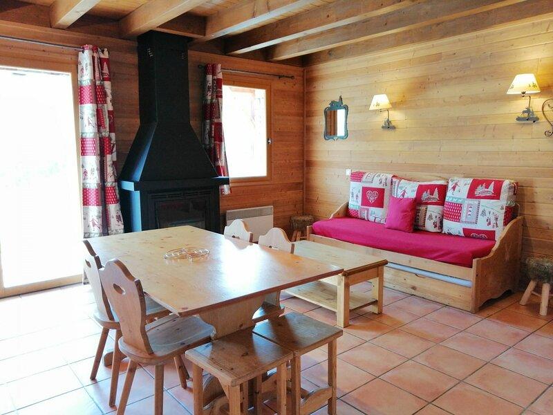1/2 chalet confortable et spacieux pour 6, belle vue sur les montagnes, Pra Loup, holiday rental in Uvernet-Fours