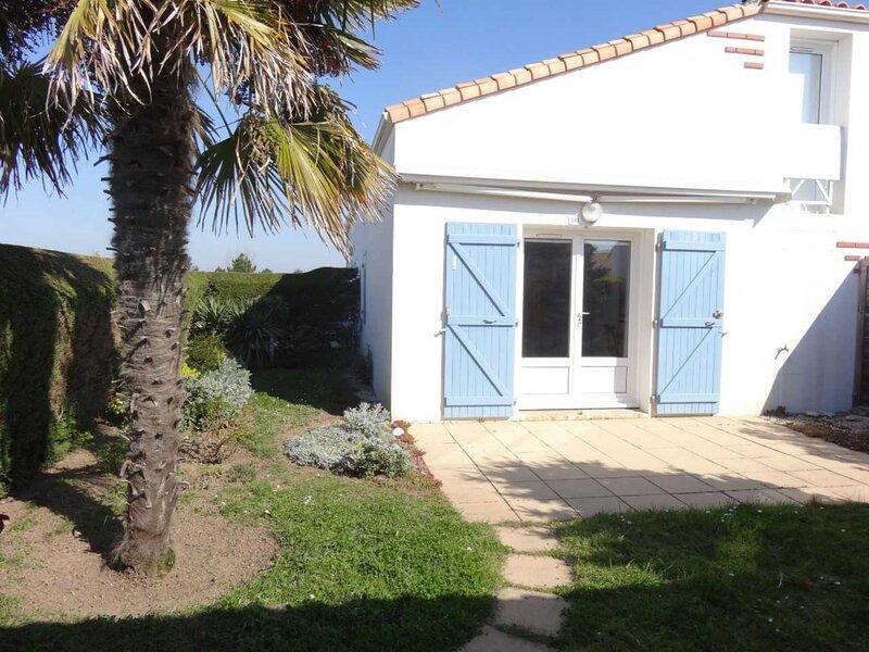 MAISONNETTE AVEC PISCINE PRIVEE A LA RESIDENCE, location de vacances à La Faute sur Mer